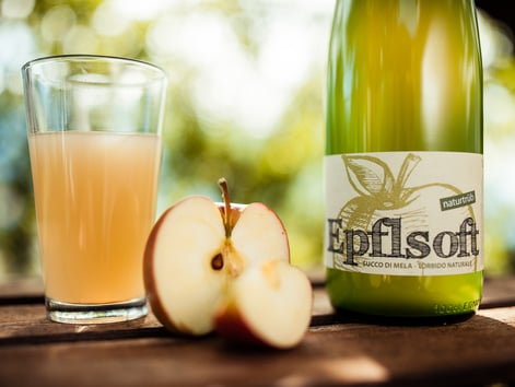 "Our unfiltered apple juice ""Epflsoft"""